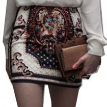 Falda corta con estampado boho