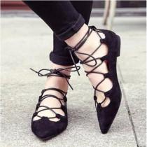 Zapatos planos con diseño de cordones